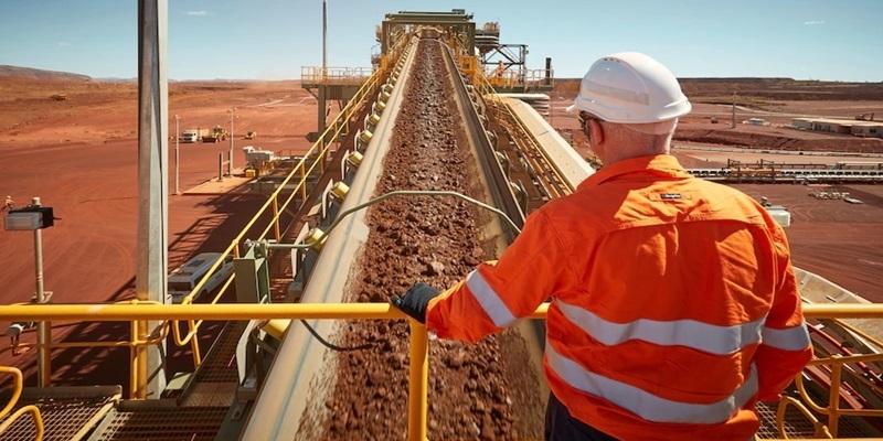 Hoạt động khai thác quặng sắt